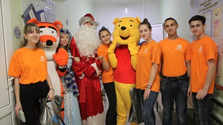 Жители Котельниково пришли на помощь Деду Морозу