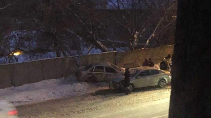 Девятилетний ребенок в больнице: в Уфе столкнулись три машины
