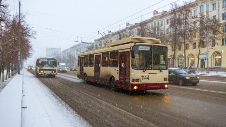 «Революционное» решение: челябинские троллейбусы будут останавливаться по новым правилам