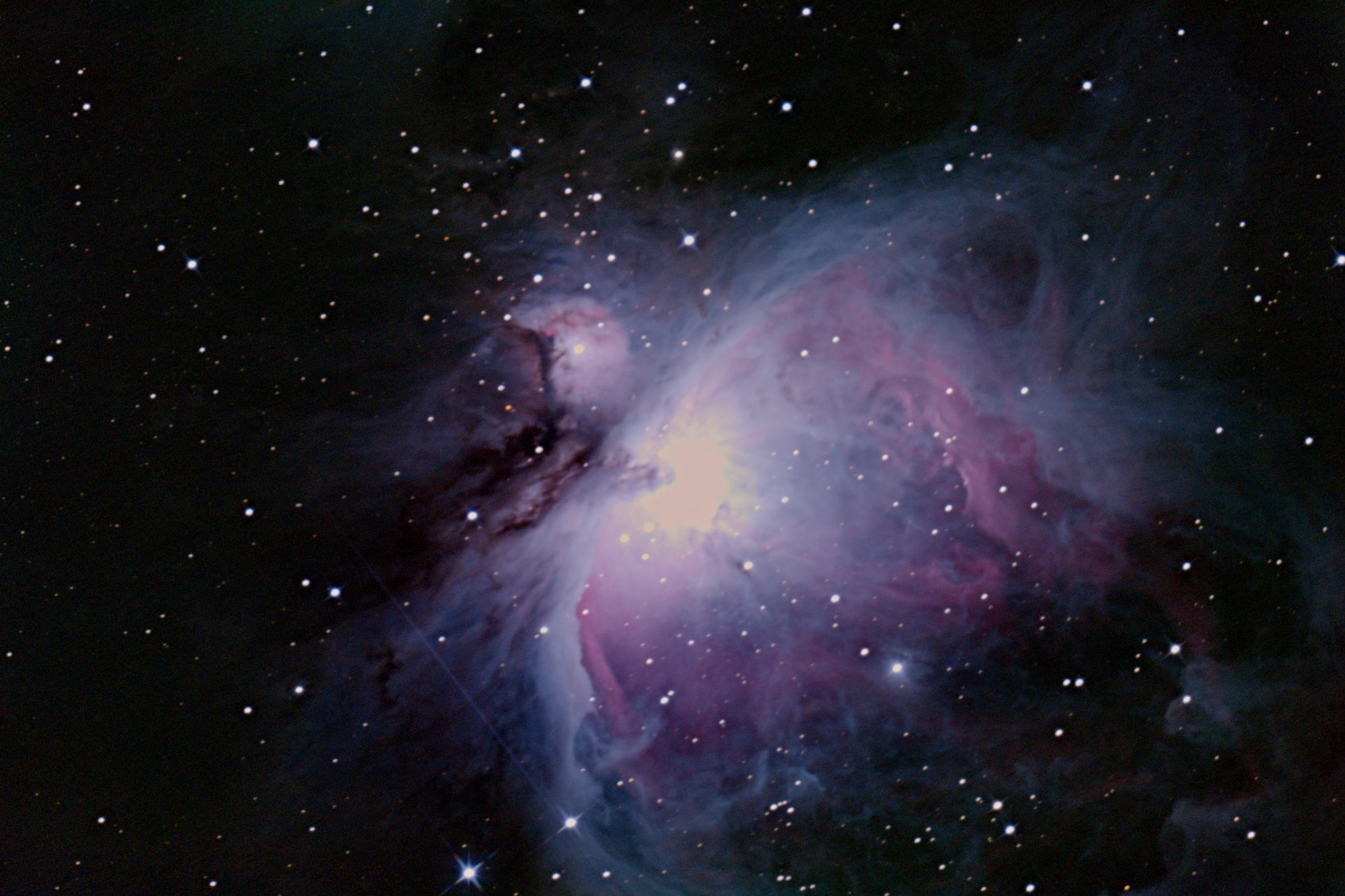 Туманность Ориона (М42), которую сняли в «Веге». Она находится на расстоянии около 1344 световых лет от Земли
