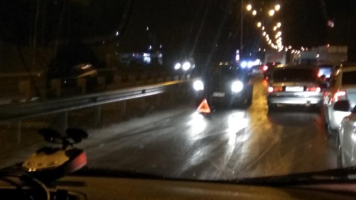 Отмечаем день жестянщика: на трассе Уфа — Оренбург столкнулись восемь машин