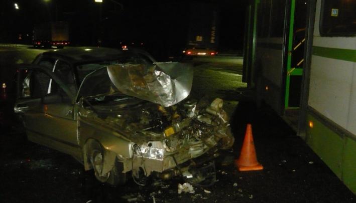 «Орали от боли»: в суд передали дело водителя, врезавшегося в автобус