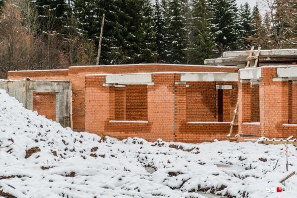 Так здание ветклиники выглядело в ноябре