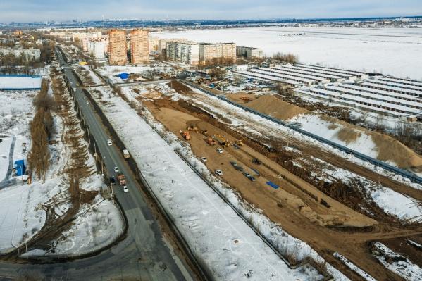 """Фрунзенский мост — 2 <a href=""""https://63.ru/text/theme/17056?"""" target=""""_blank"""" class=""""_"""">строят</a> на участке от улицы Шоссейной до выезда из города"""