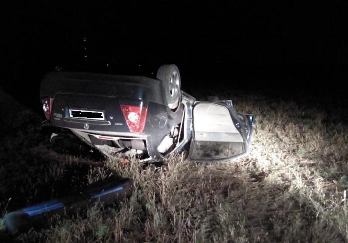 Водитель не справился с управлением — машина вылетела в кювет