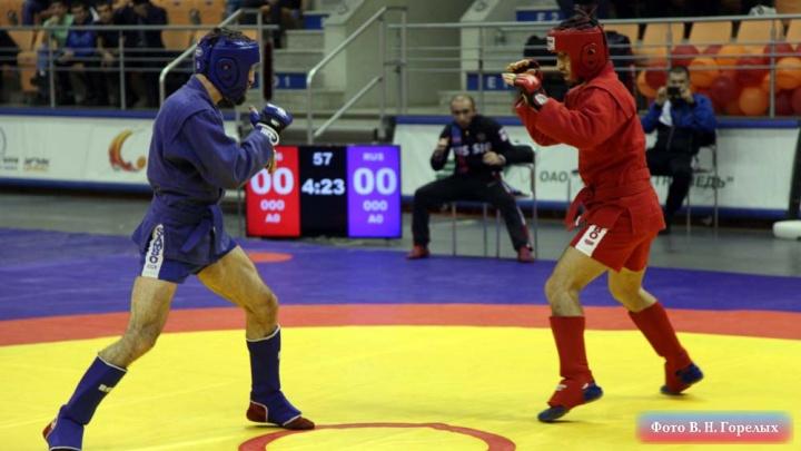 Больше 150 мастеров спорта приехали на Урал, чтобы выяснить, кто лучше дерётся