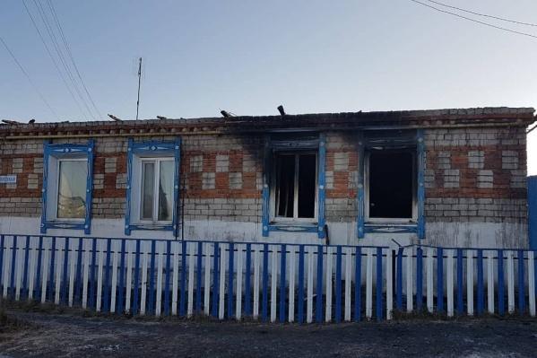 Огонь разгорелся в южной части дома