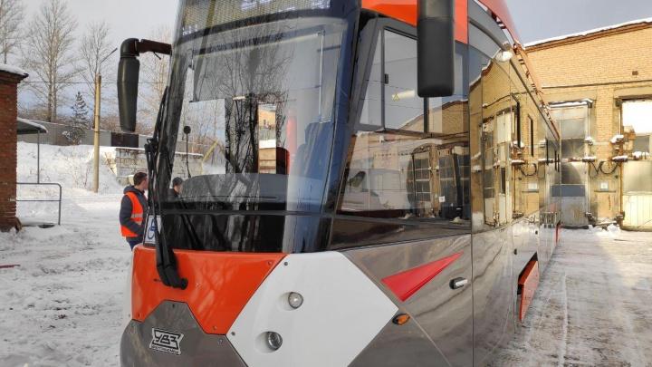 В челябинской мэрии рассказали, почему отдали предпочтение трамваю из Свердловской области