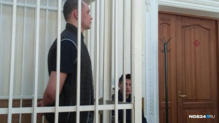 Обвиненный во взятке и мошенничестве депутат Волков признал вину в суде