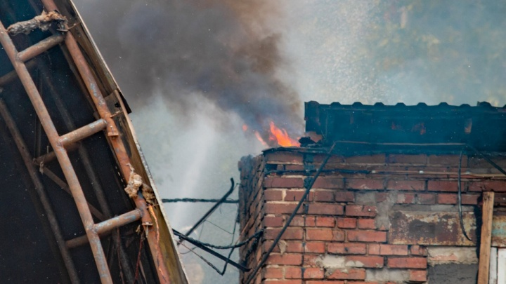 В Ростовской области в пожаре погибли мужчина и женщина