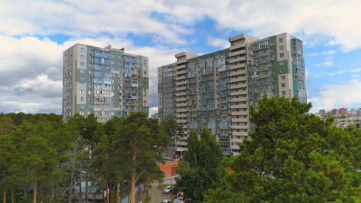 В Заельцовском парке строят ЖК «Сосны»: квартиры продают за 15 136 рублей в месяц
