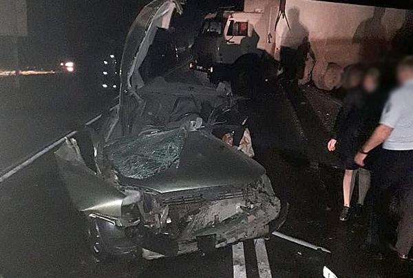 «Калина» в Башкирии пошла на обгон, врезалась в Audi и залетела под КАМАЗ