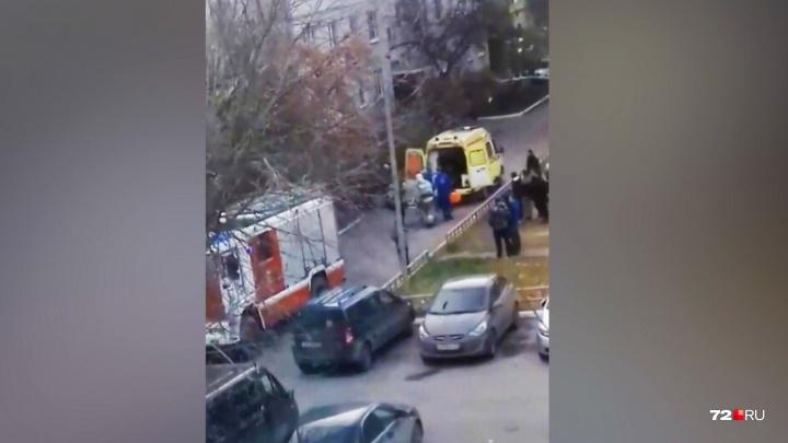 В пятиэтажке на Лесобазе сгорела квартира. Два человека с ожогами попали в больницу
