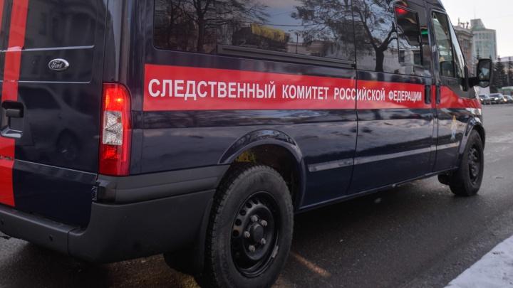 В Екатеринбурге поймали насильника по волосу, который тот оставил в подъезде