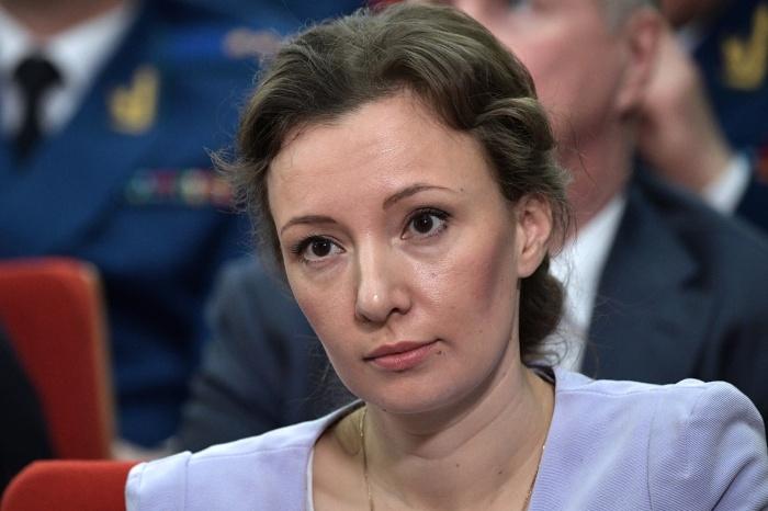 Анна Кузнецова встретилась с сибирячками, которые остались без материнского капитала после вмешательства прокуратуры