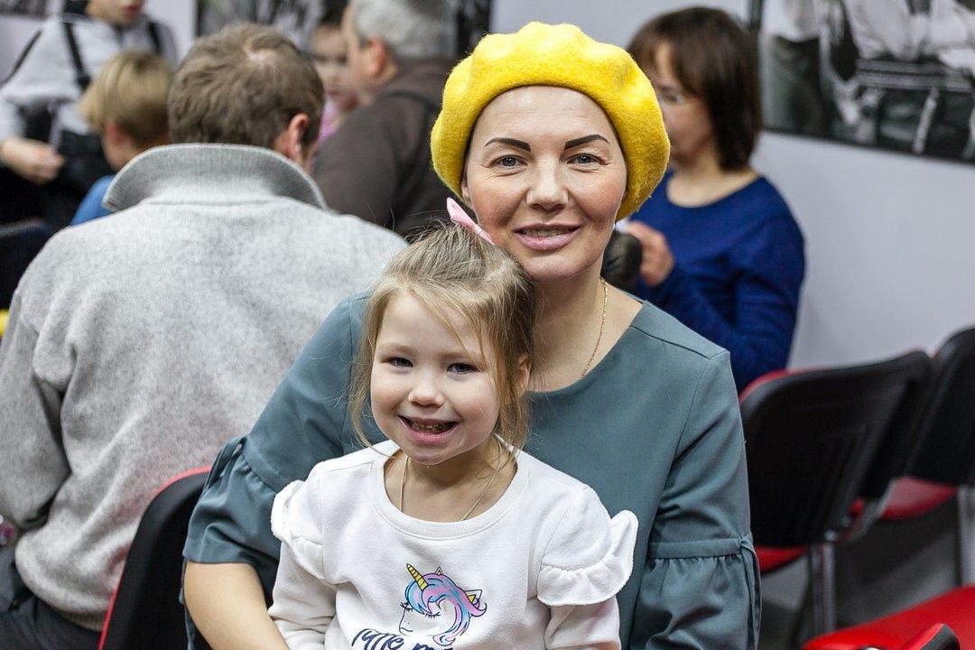 Лариса и ее дочь Василиса усвоили простые правила поведения в городе