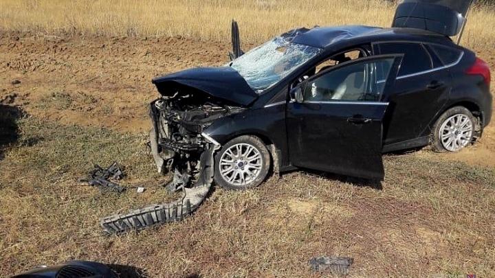 «Рискнул и не успел»: под Волгоградом столкнулись Ford и внедорожник