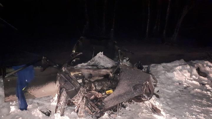 Водитель «Лады» выехал на встречку и погиб в ДТП с КАМАЗом на трассе