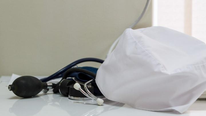 Травматолога из Ростовской области осудили за халатность