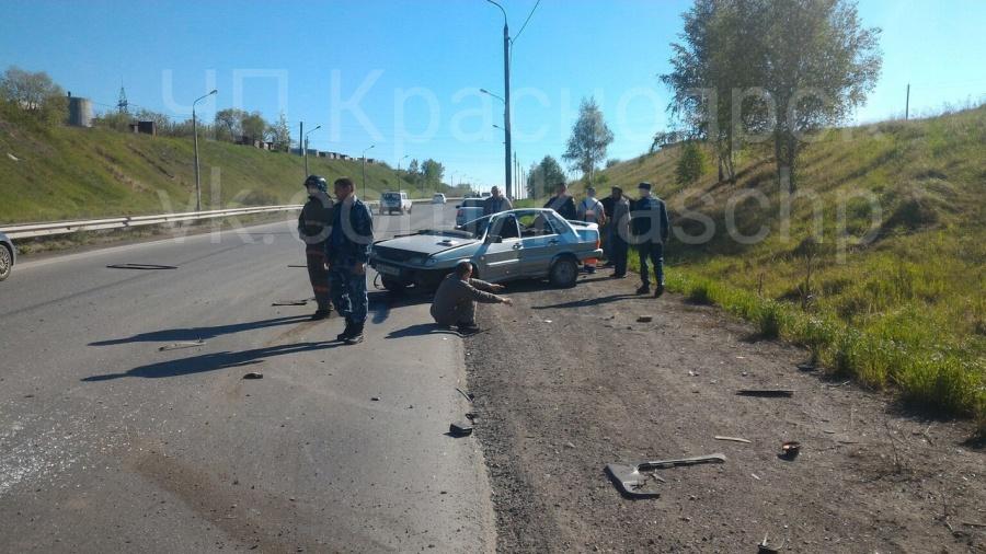 ВКрасноярске шофёр влетел встолб: есть погибший