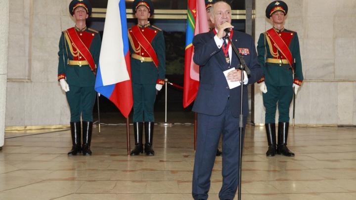 «Тут они возвращаются в молодость»: председатель совета ветеранов стал Почетным жителем Волгограда