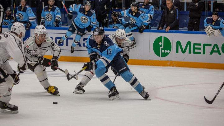 Всё решил овертайм: хоккейная «Сибирь» уступила челябинскому «Трактору»