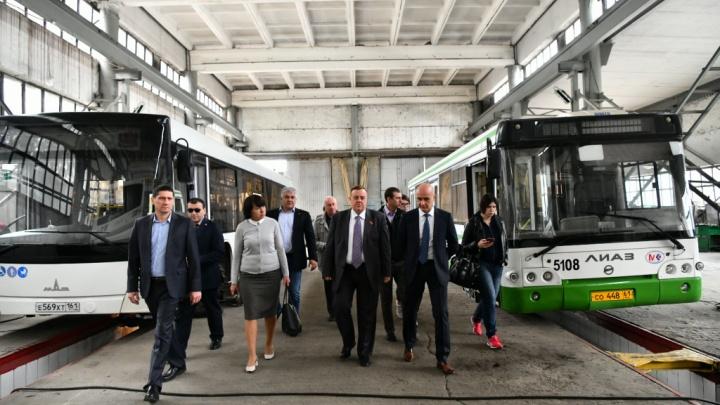 Автобусы «Ростовпассажиртранса» простаивает в парке из-за нехватки водителей