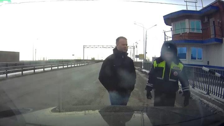 Опубликовано видео задержания министра строительства Крыма на посту ГИБДД в Ростовской области