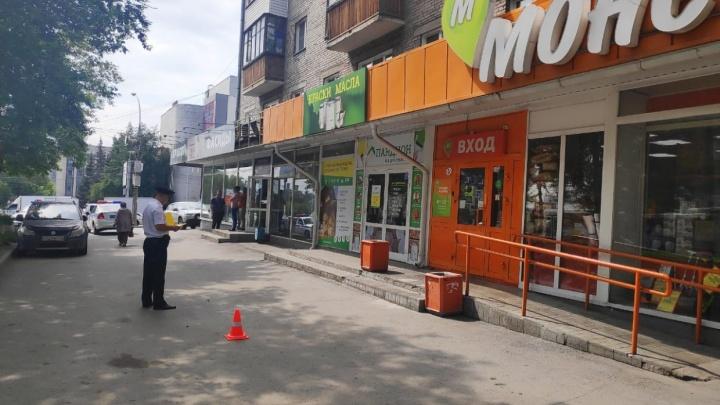 Сдал назад и убил: водителя «Газели» отправили в колонию за гибель девушки на парковке магазина