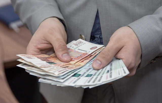 В Башкирии алиментщик отдал 600 тысяч рублей долга