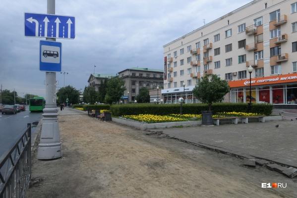 Остановку перенесли в промежуток между улицами Мамина-Сибиряка и Луначарского