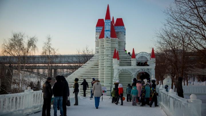 «Весь парк занесло снегом»: открытие ледового городка на Михайловской набережной отменили из-за метели