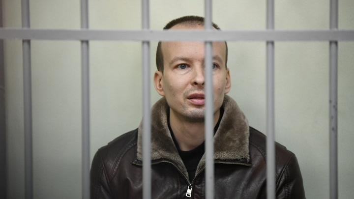 «Нужно допросить еще 20 свидетелей»: обвиняемому в двойном убийстве на Уктусе продлили арест