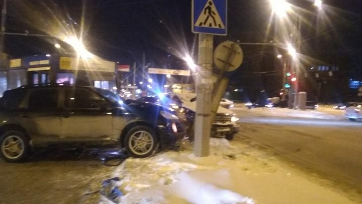 В Перми из-за массовой аварии с автобусом на Чкалова образовалась пробка