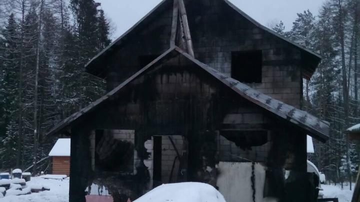 В Перми сгорел коттедж, выставленный на продажу всего день назад