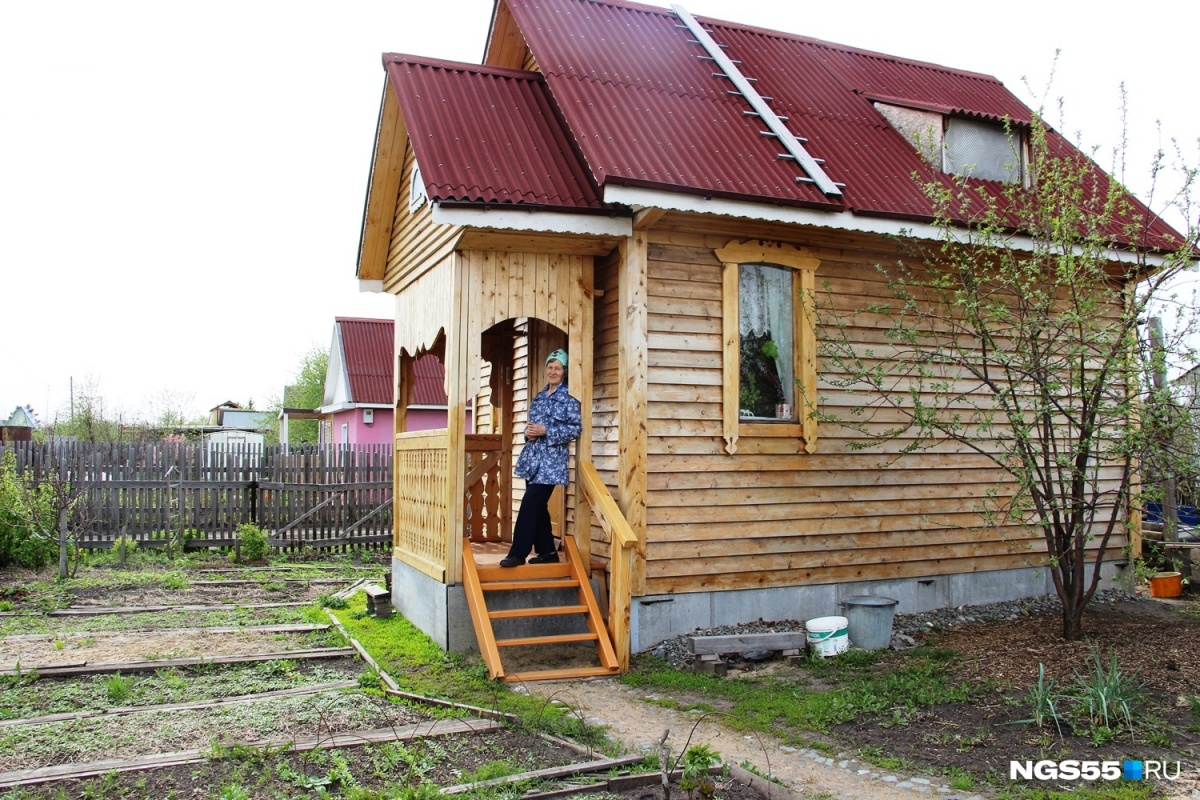 На строительство этого дома Лидии Белобородовой понадобилось чуть больше года