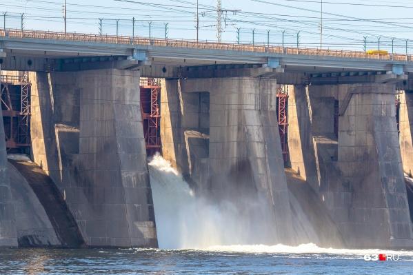 От работы Жигулевской ГЭС во многом зависит уровень воды в Волге