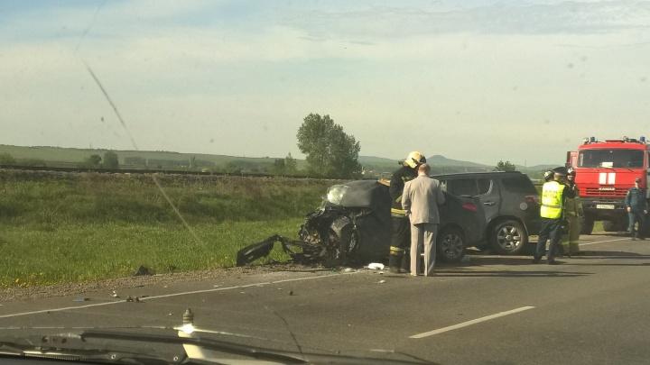 На трассе до Железногорска водитель «Соляриса» вылетел на встречку и погубил себя и пассажира
