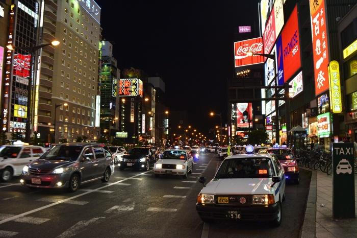 Ночной проспект в Саппоро