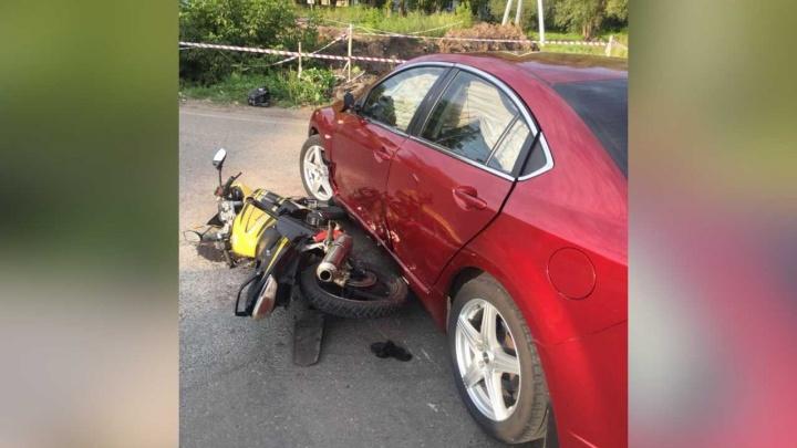 В Уфе школьник на мотоцикле столкнулся с «Маздой»