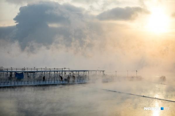 Енисей в Красноярске не замерзает даже в лютые морозы