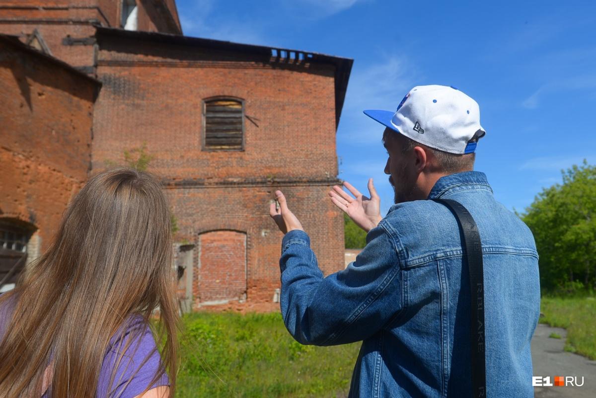 Основное здание было построено его внуком Павлом Дмитриевичем Соломирским. Он всю жизнь прожил в Царском селе, был военным