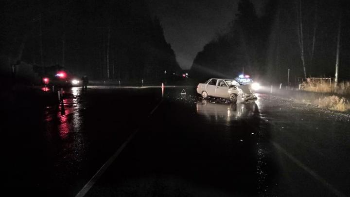 На шоссе под Новосибирском разбились две машины: травмы получили пять человек