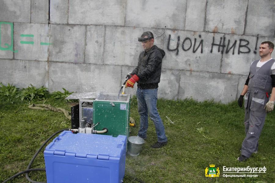Под удар ледяной очистки попала надпись в память о Викторе Цое