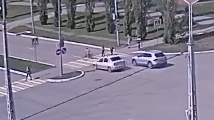 Несовершеннолетний велосипедист попал под колеса автомобиля в Башкирии