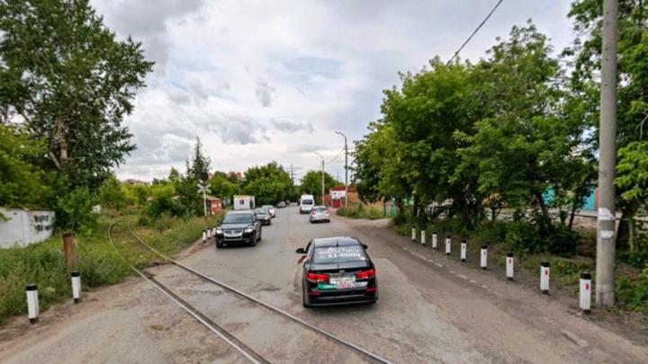 В Омске на пять ночей перекроют два железнодорожных переезда