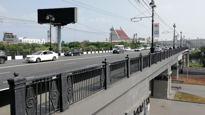 В воскресенье ради крестного хода перекроют центр Омска, включая два моста