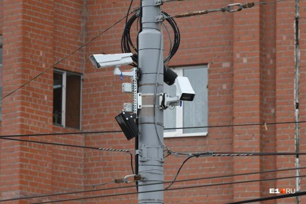 Камеры установят там, где водители значительно превышают скорость