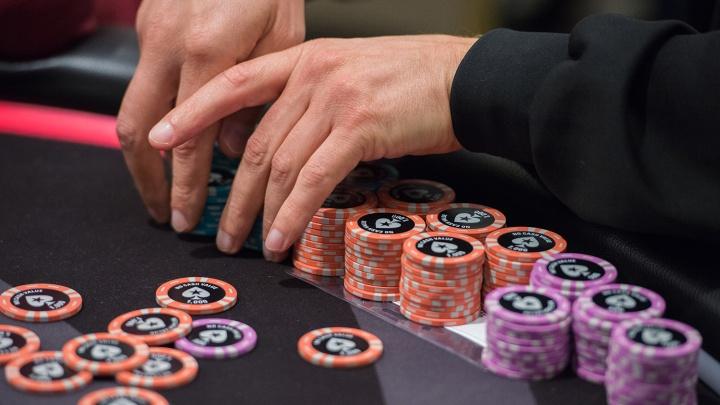 Шестерых новосибирцев будут судить за подпольный покерный клуб на Красном проспекте