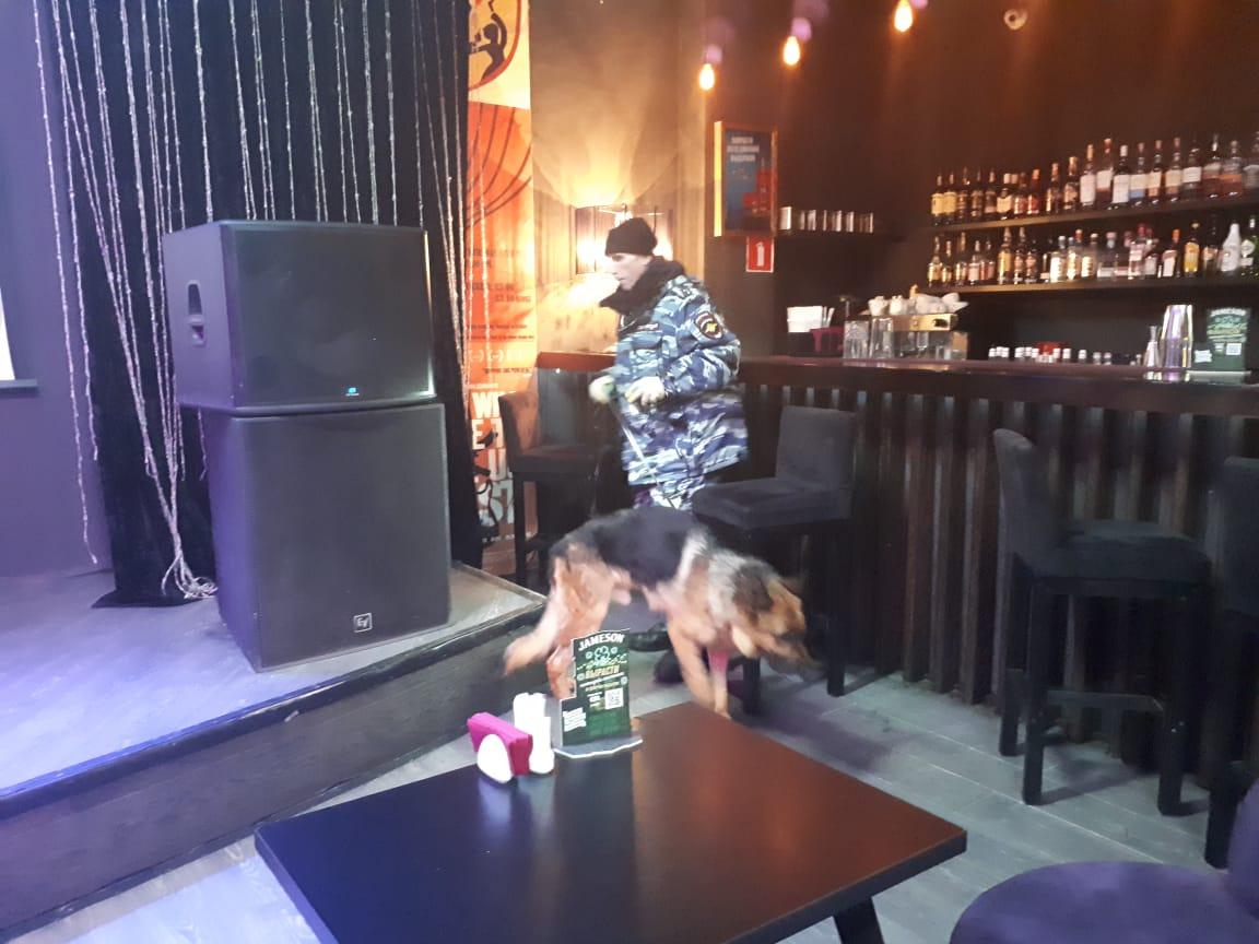 Сразу в несколько клубов Екатеринбурга нагрянула полиция с ОМОНом
